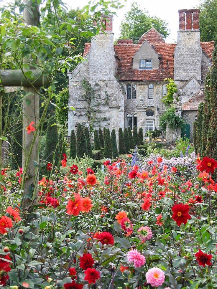HOME & GARDEN: 40 inspirations pour un jardin anglais Home of William Morris, Kelmscott Manor