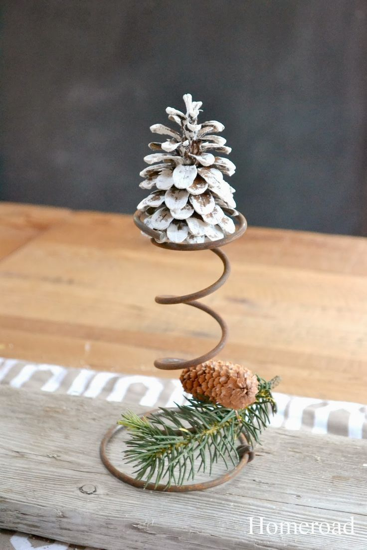 1044 best diy christmas decor images on pinterest for Bed spring decoration