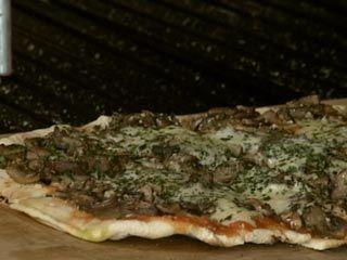 Pizzas a la parrilla   Recetas Ariel Rodríguez Palacios   Utilisima.com