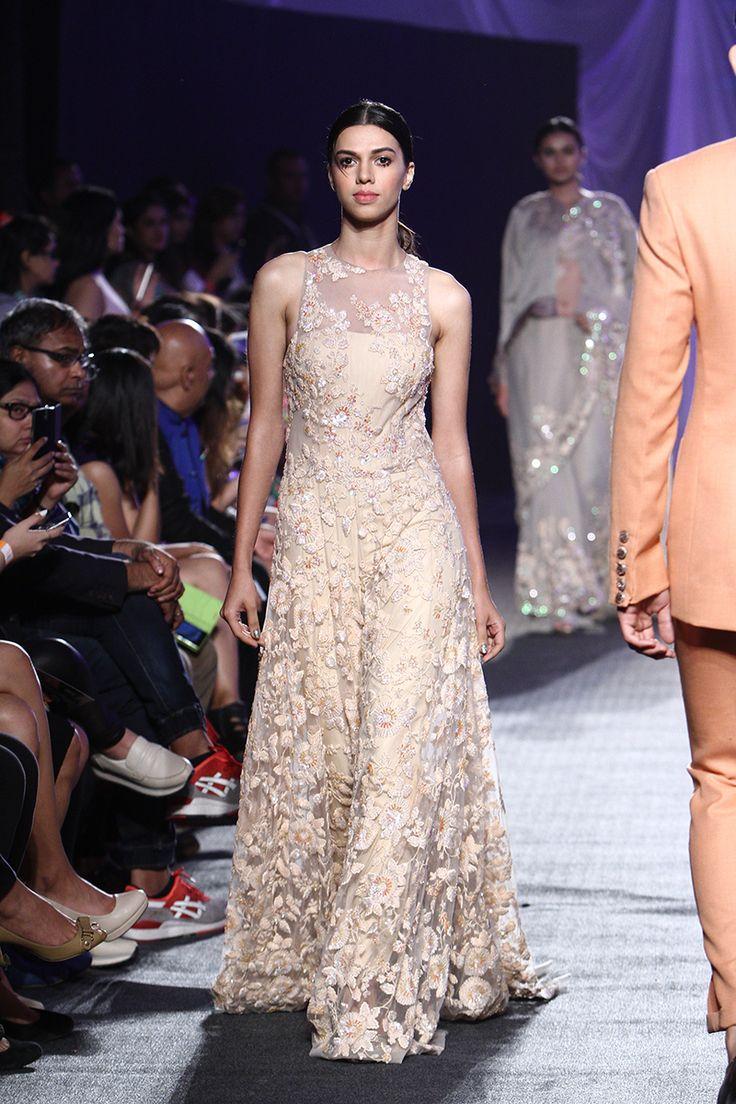 The 682 best Manish Malhotra images on Pinterest | India fashion ...