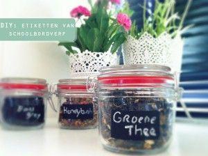 Losse thee bewaren in glazen potjes