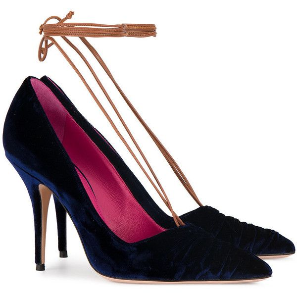 Oscar Tiye Blue Velvet Ilenia lace up 105 pumps (213.190 CRC) ❤ liked on Polyvore featuring shoes, pumps, laced shoes, oscar tiye, blue shoes, laced up shoes and velvet shoes