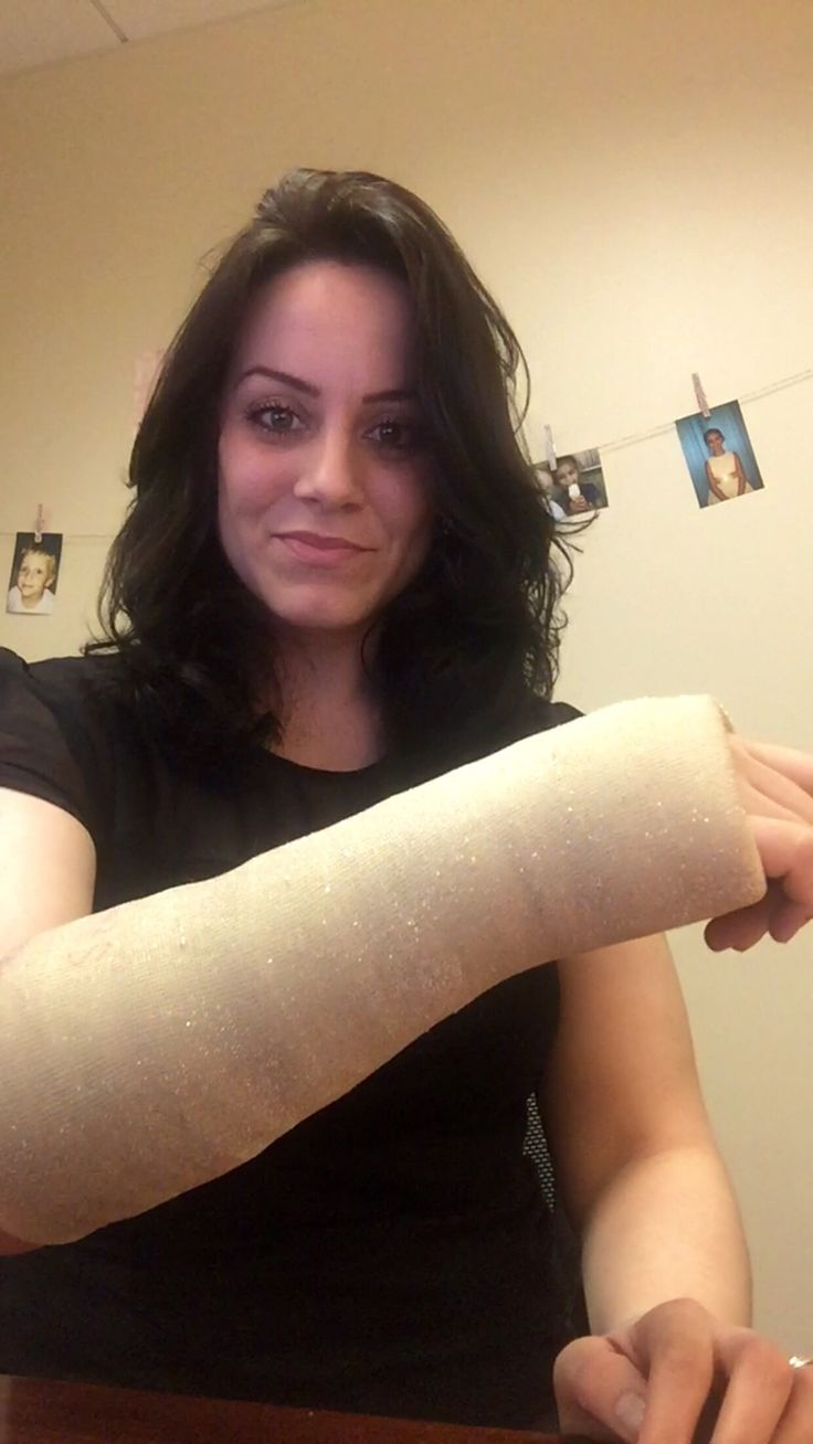 how to cut off arm cast