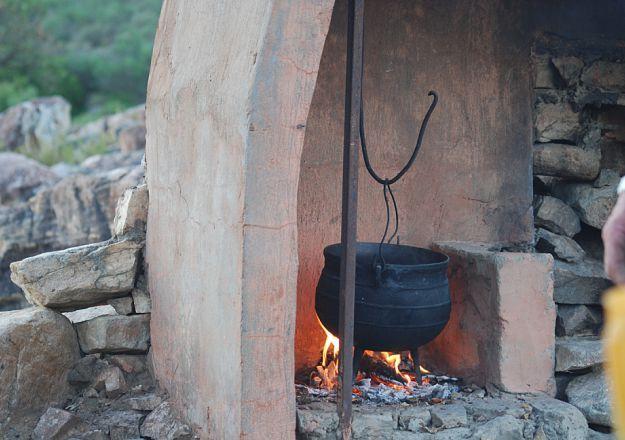 Braaidag is net om die draai en Bovlei Gasteplaas weet net hoe om 'n potjie so eg Suid-Afrikaans te laat prut!