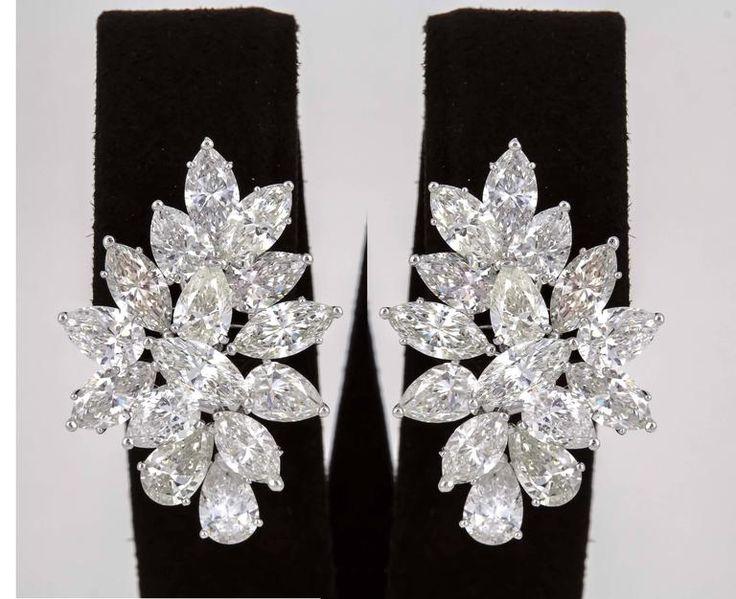 Impressive 17 carats Diamonds Gold Cluster Earrings 2