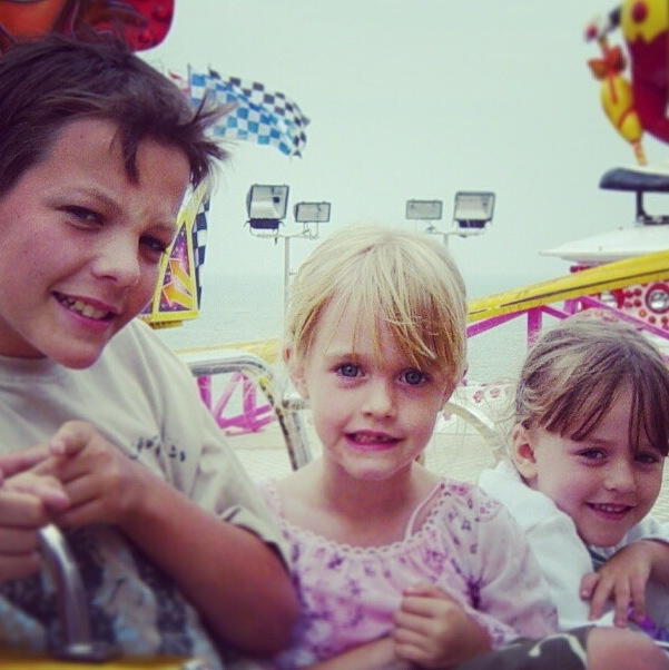 Uff I Have No Sister I Need A Sister: 25+ Best Ideas About Louis Tomlinson Sisters On Pinterest