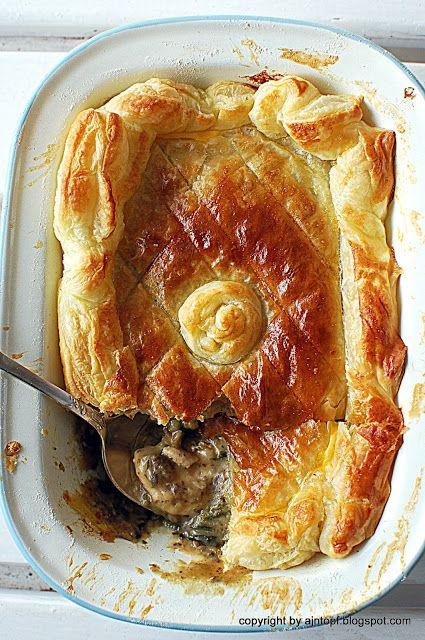Dostaliśmy w prezencie od przyjaciół brytfankę do chicken pie sygnowaną przez Jamie Olivera, którego bardzo lubimy i cenimy. Postanowiliś...