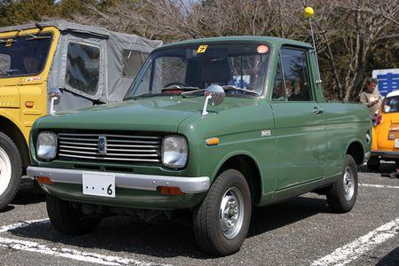 「マツダ・ポーター・トラック」。先のバンに対してこちらはトラックだが、エンジンが軽乗用車の「シャンテ」と同じ水冷2ストローク2気筒に換装された、1973年のマイナーチェンジ以降のモデル。