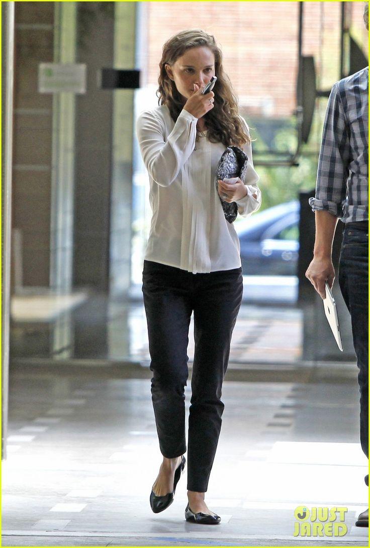 Natalie Portman: classic and comfortable