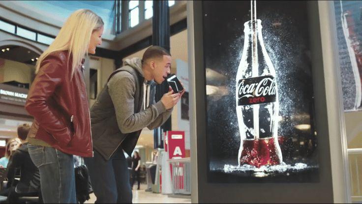 """La prima campagna pubblicitaria """"bevibile"""" di Coke Zero."""