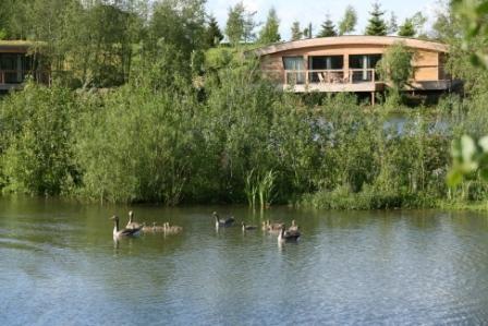 Gorgeous, tranquil Lola at Brompton Lakes