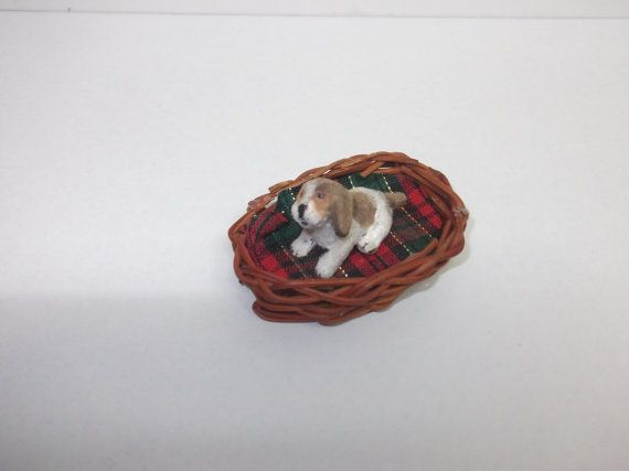 Dollhouse miniature beagle puppy 1/12 scale by Teruka on Etsy
