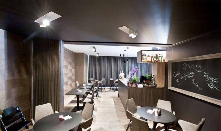 SUZANNE restaurant #NERO DARK #architecturallighting COOLFIN ('s) #project Markt Deinze BE
