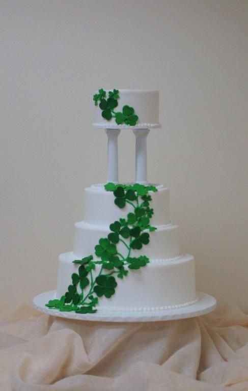 Fondant Leaves Wedding Cake