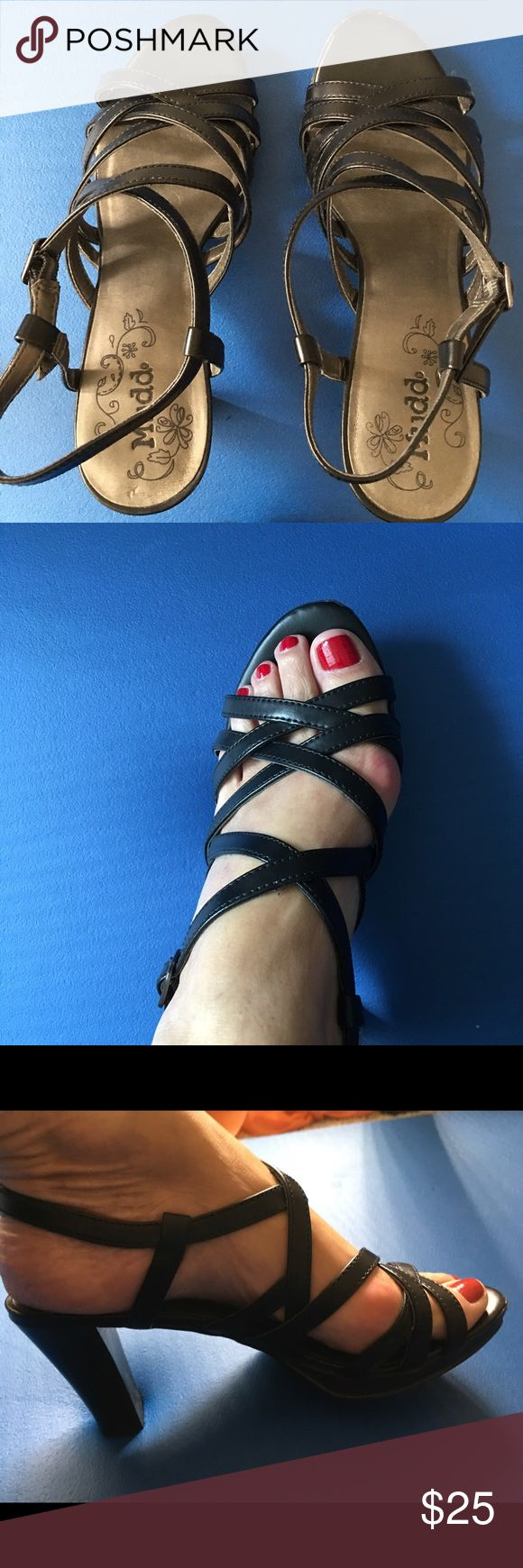 Shoes - Mudd dressy sandals Beautiful black dressy sandals. Excellent condition - worn once. Can't wear heels due to surgery. Mudd Shoes Sandals