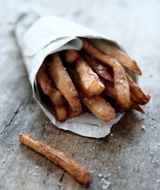 Gourmandises Chroniques: Frites d'igname et quelques trucs et astuces à savoir pour bien cuisiner l'igname camote frito sweet potato yam fries french fries camotes TGI Friday's   copycat