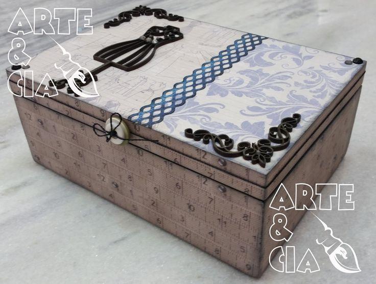 Caixa de Costura Scrapbook e aplique de MDF (lateral direita)
