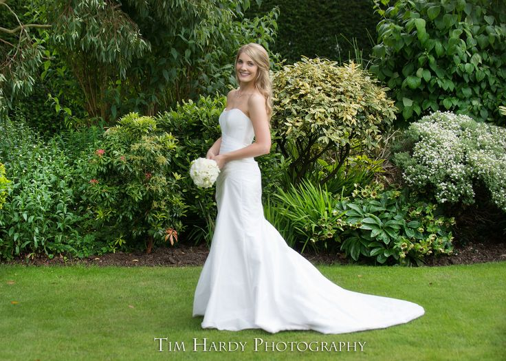 My stunning bride....so elegant and chic, and such a pleasure to work with. Love my job 💕