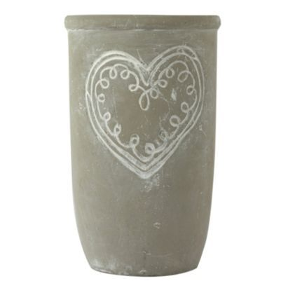 This Grey Stone Heart Vase will look great holding flowers or just on its own as a standalone accessory #BalticSummer #Vase
