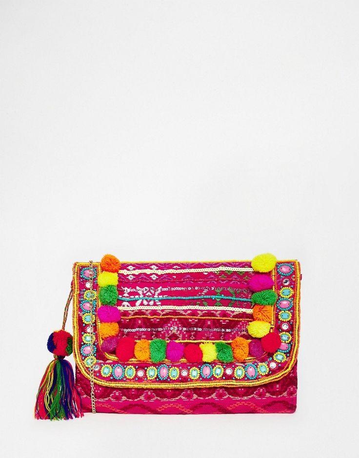 Nog een handig tasje nodig waar je portemonnee en je telefoon in past? Via Aldoor vind je veel leuke vrolijke clutches in de uitverkoop! #mode #dames #vrouwen #tas #handtas #uitverkoop #boho #Bohemian #style #fashion #women #clutch #bag #sale