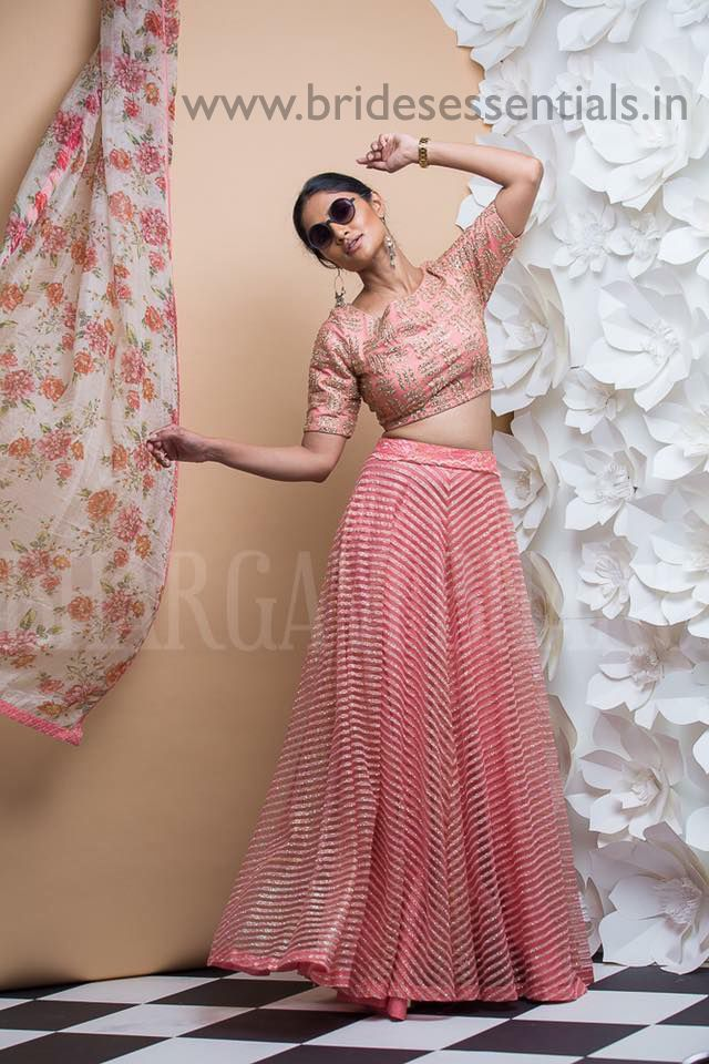 Photo Feature : Crop top and skirt Fall in Love with this Lovely crop top & skirt !! Pic Courtesy : Jayanthi Reddy Pic Courtesy : Mugdha Pic Courtesy :The wedding journal Pic Courtesy : Geeth…