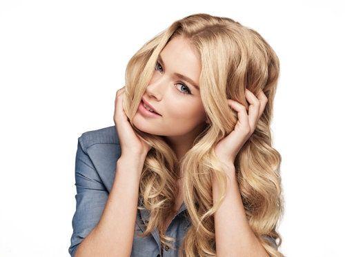 Цвет волос темный блондин в симбиозе с легким медным подтоном называют сладким словом «карамель»
