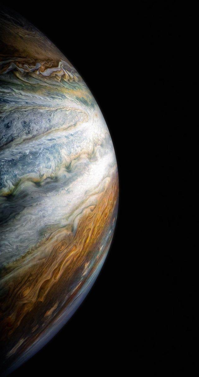 Jupiter S Colorful Cloud Belts Iwallpaper Jupiter Wallpaper Planets Wallpaper Colorful Clouds