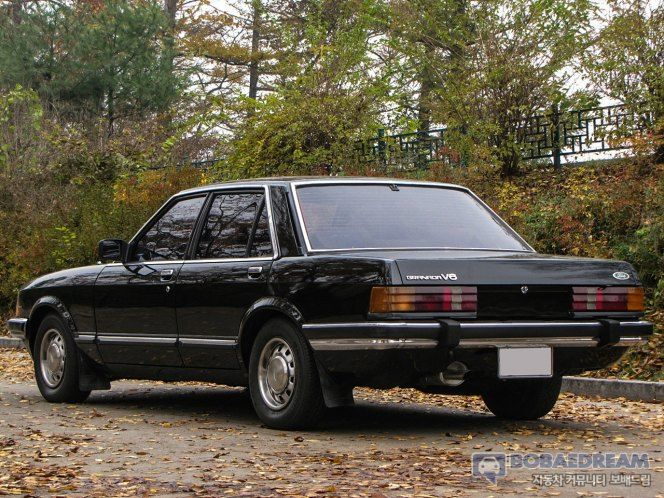 """Hyundai """"Granada""""--a German Ford assembled by Hyundai in Ulsan from October 1978 to December 1985. Throughout its run Hyundai sold 4,743 of the vehicle in Korea."""