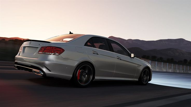 #Forzahorizon2 #XboxOne #Videogames   En voiture, Simone !