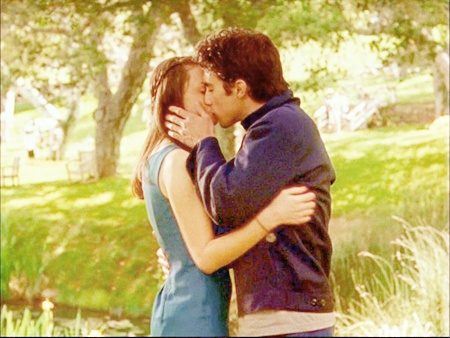 Rory and Jess! amazing kiss!!