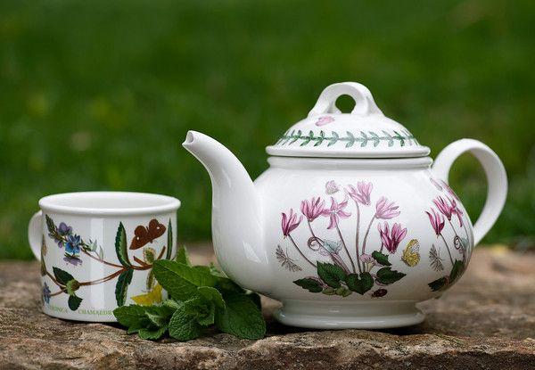 Fresh Mint Tea from Framed Cooks (http://punchfork.com/recipe/Fresh-Mint-Tea-Framed-Cooks)