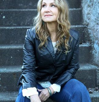 Check out our interview with Joan Osborne as she brings the music ff Bob Dylan to Tacoma's Broadway Center - Equality 365 #music #interview