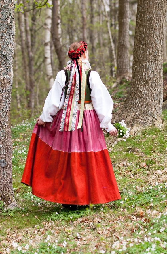 Laila Duran, Spring in Southern Sweden http://folklorefashion.durantextiles.com/spring-in-southern-sweden/