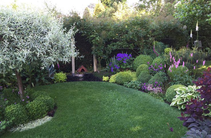 Solutions For Clay Soil Gardens Raised Bed Caroline Benedict Smith Garden Design Cheshire Perfect Garden Soil Sloped Garden Garden Soil