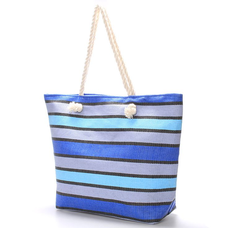 Modrá pruhovaná taška na zip vhodná nejen na prosluněnou letní pláž. #modrá #pruhy  #kabelky #pláž #léto #móda #dovolená #krása