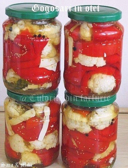 Ingrediente: * 3 kg gogosari sanatosi * 1 conopida potrivita * 800 g zahar tos * 1 lingura sare mare neiodata * 800 ml otet de 9 grade