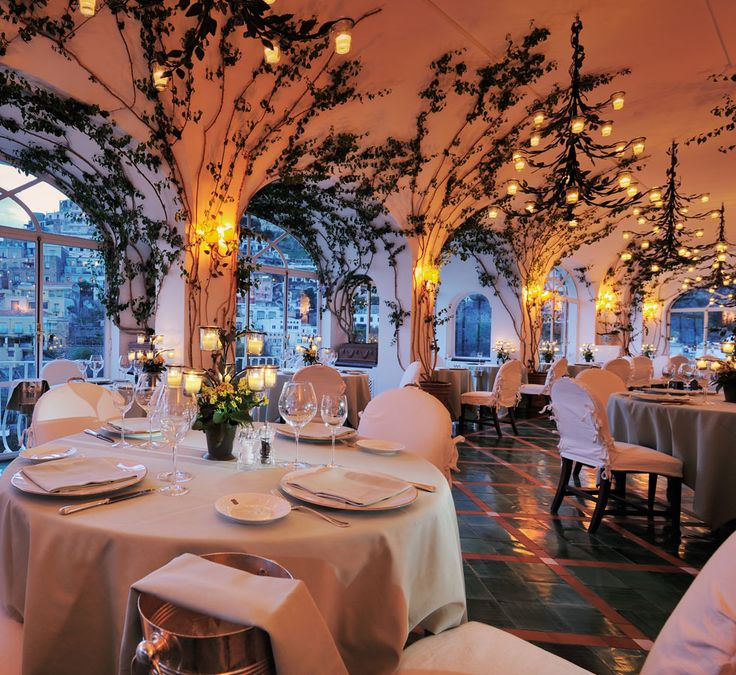 La Sponda Restaurant at Le Sirenuse Hotel in Positano. I have lovely dreams about eating here someday. I am obsessed.