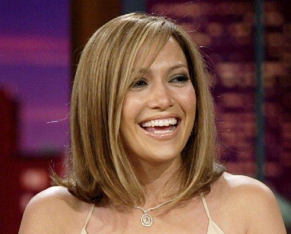Jennifer Lopez's Short Hair Debuts Under a Clown-Thrown Glitter Bomb at the…