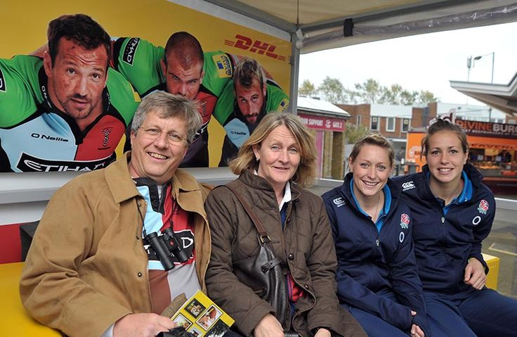 England international players Emily Scarratt and Natasha Hunt visited our #DHLFrontRow winners at The Stoop on Saturday