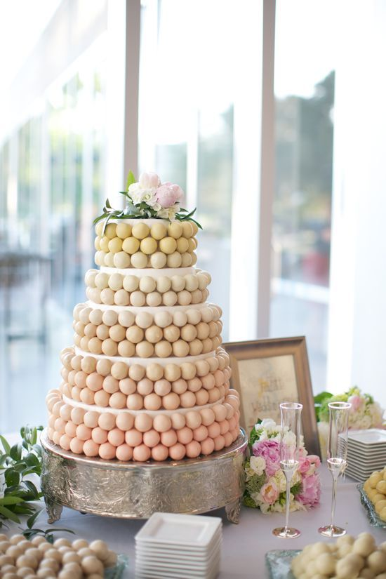 Cake pop cake.: Ombre Cakes, Cakes Ideas, Cake Pop, Cakes Pop Cakes, Wedding Cakes, Cake Pops, Weddingcak, Ball Cakes, Cakes Ball