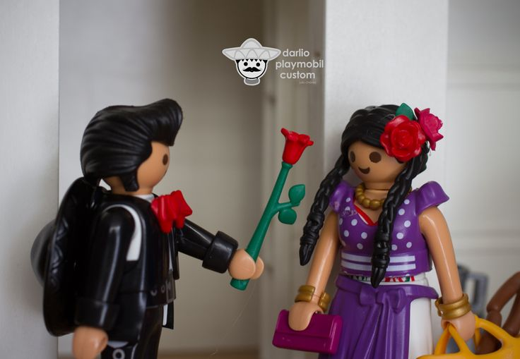 Pedro wooing Esperanza Playmobil custom