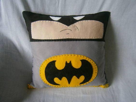 Almofada em feltro personalizada do Batman com enchimento de fibra de silicone. *38x38: