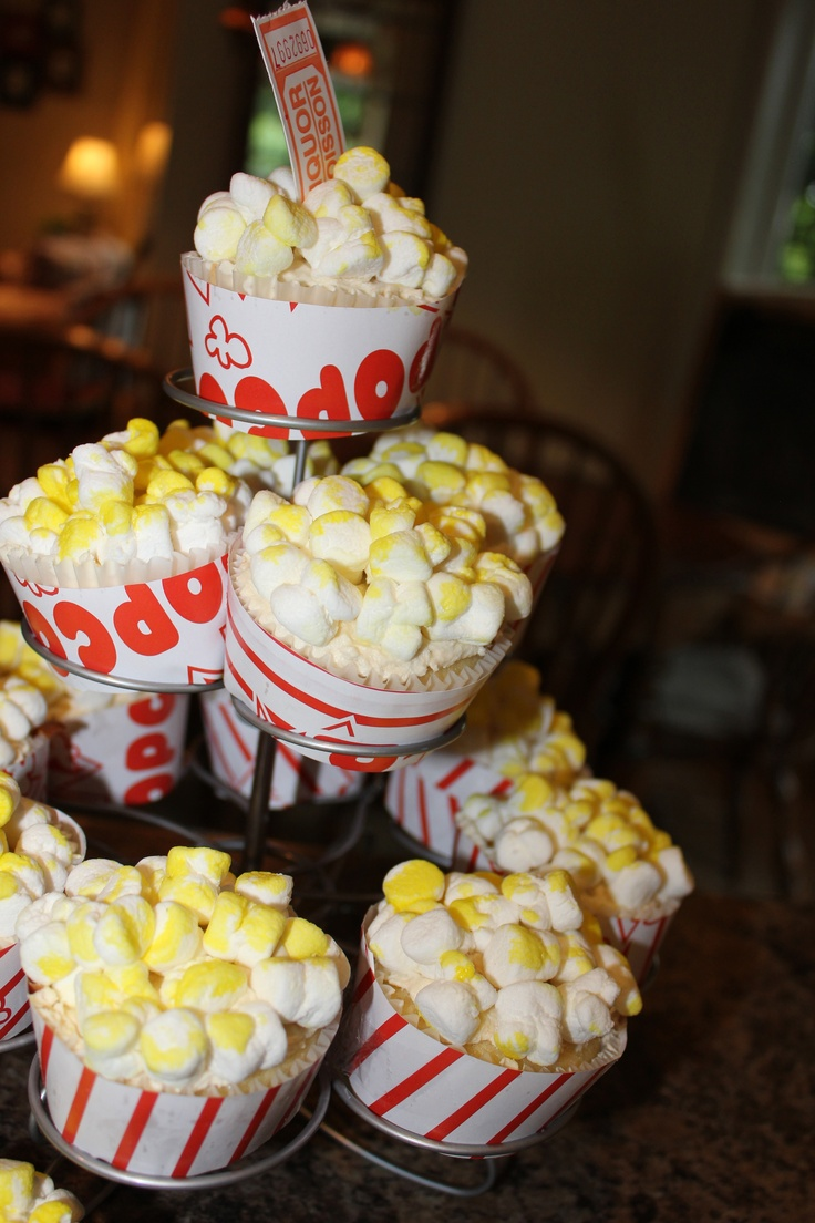 Movie Themed Party Cupcakes- made with marshmallows and food colouring!!