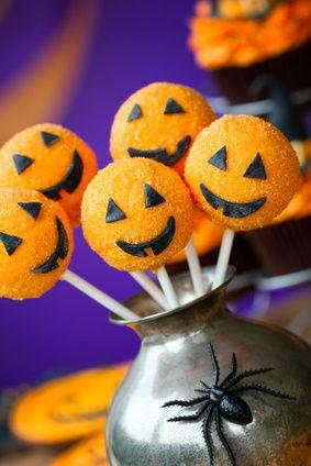 Pumpkin Halloween Cake Pop Recipes http://www.750g.com/recettes_halloween.htm
