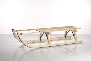 Der Premium Rodel Davoser Esche. Ein Schlitten, der optisch sehr elegant aussieht und Fahrspass pur verspricht.        Hervorragender Holzschlitten Esche      TÜV-geprüft      gebogenes Eschenholz massiv      sehr stabil      schöne klare Form      beste Gleitfähigkeit      Mettallkufen      Metallkufen sind aus einem Stück      110 cm lang