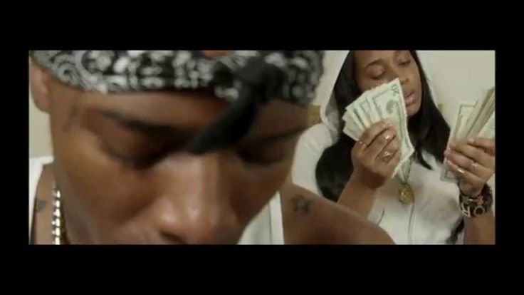 Fetty Wap  - Trap Queen (Official Video)