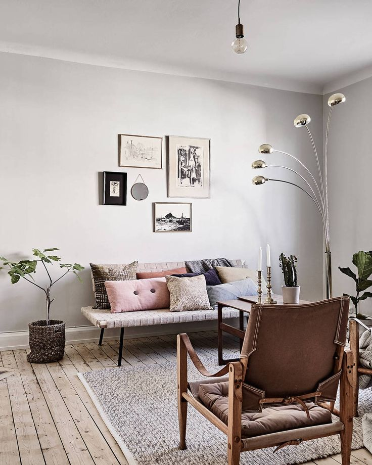 Mint green and greige - via Coco Lapine Design