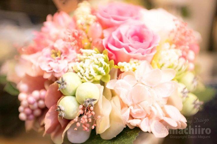 名瀬長浜町にあるgarden gardenさんにはアーティシャルフラワーに生花鉢植えや雑貨などおしゃれでカワイイアイテムがギュッとつまっていました #mystylewedding #AmamiPhotos #マチイロ #machiiro #gardengarden #撮影 #奄美大島 #写真 #amami #japan #photo #canon #5d #dress #bridal #princess #wedding #LandscapeofAmami #フラワーショップ #flowershop