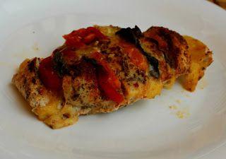 Kurczak faszerowany mozzarellą, pomidorami i bazylią | Tradycyjna kuchnia