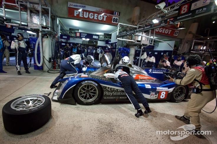 #8 Peugeot Sport Total 908 at the 2011 Le Mans 24hr